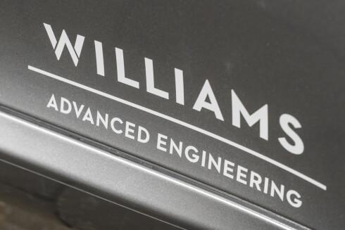 KJENT FRA FORMEL 1: Williams er parner i utviklingen av den elektriske luksusbilen. De utvikler allerede teknologi for Formel 1 - også avanserte batteripakker. Foto: ASTON MARTIN