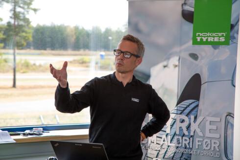 DEKKEKSPERT: - Sjekk lufttrykket hver tredje uke, anbefaler produktsjef Fredrik Hauge i Nokian Tyres. Foto: NOKIAN