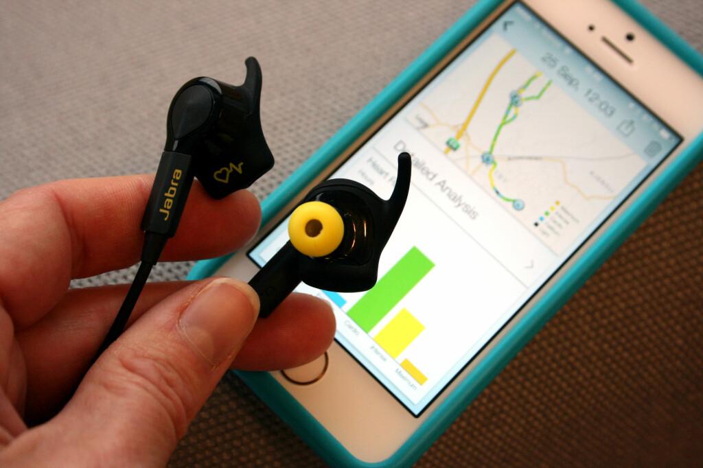 TEST AV ØREPROPPER MED PULSMÅLING: Disse øreproppene fra Jabra har innebygget pulsmåling og medfølgende app med analyser. Vi liker at det er så enkelt. Foto: KRISTIN SØRDAL