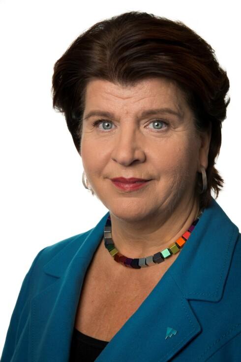 MÅ FORBY RASKERE: Forbrukerdirektør Randi Flesland mener norske myndigheter må forby nye fluorstoffer raskere. Foto: FORBRUKERRÅDET