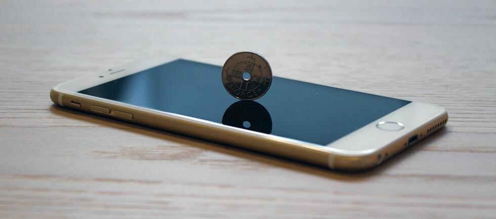 ÉN KRONE: Du kan få kjøpt nye iPhone til én krone, men lønner det seg? Foto: PÅL JOAKIM OLSEN