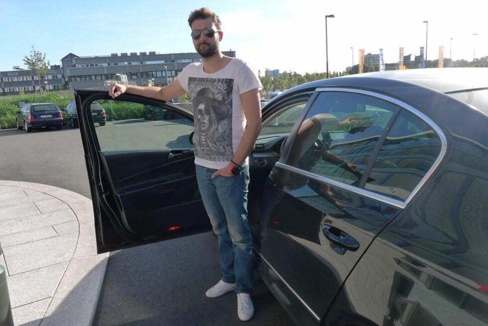 LAST OG BRAST: Radu Horatiu kjører Uber-bil i Oslo. Blir han avskiltet, lover Uber å støtte ham. Foto: TORE NESET