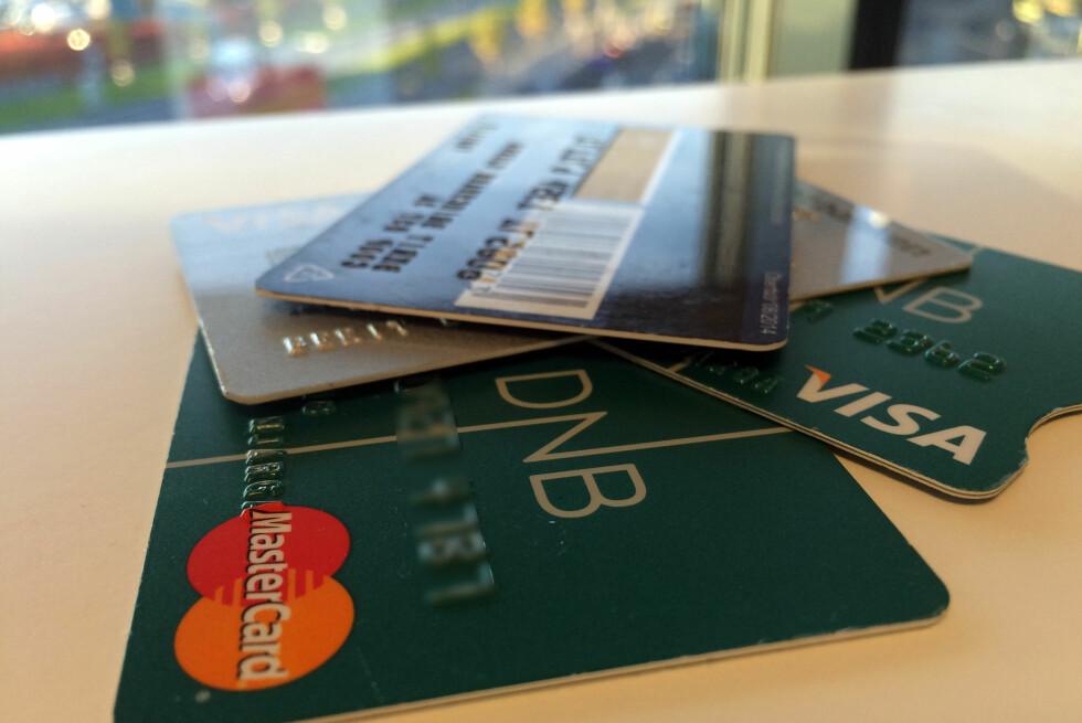 BONUSPOENG: DNB skal samarbeide med SAS, og vil tilby opptjening av Eurobonuspoeng på DNBs Mastercard. Men det koster. Foto: BERIT B. NJARGA