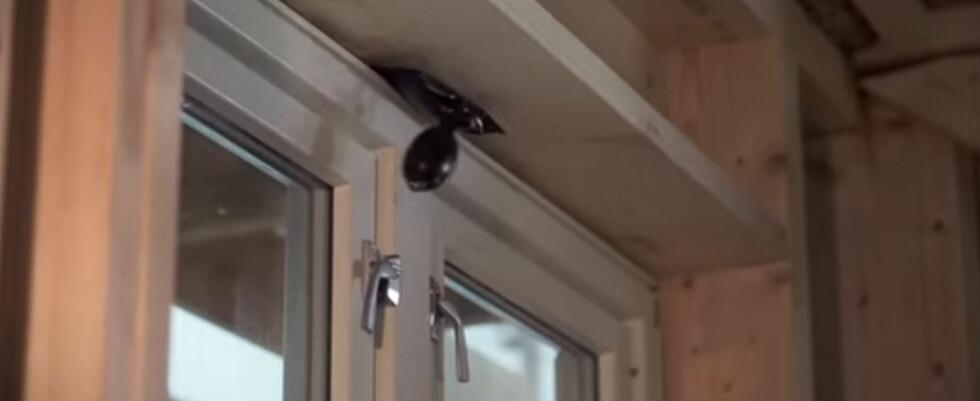 <strong><b>OPPBLÅSBAR:</strong> </b>Det går kjapt å feste vinduet i topp med den oppblåsbare AmoBag. Foto: WÜRTH