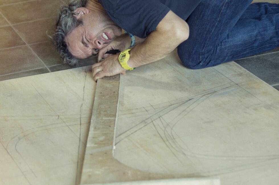 OPPTATT AV TRADISJONSHÅNDVERK: Piet Hein Eek er Ikeas ferskeste designer. Han er opptatt av naturmaterialer og tradisjonelle teknikker. Foto: IKEA