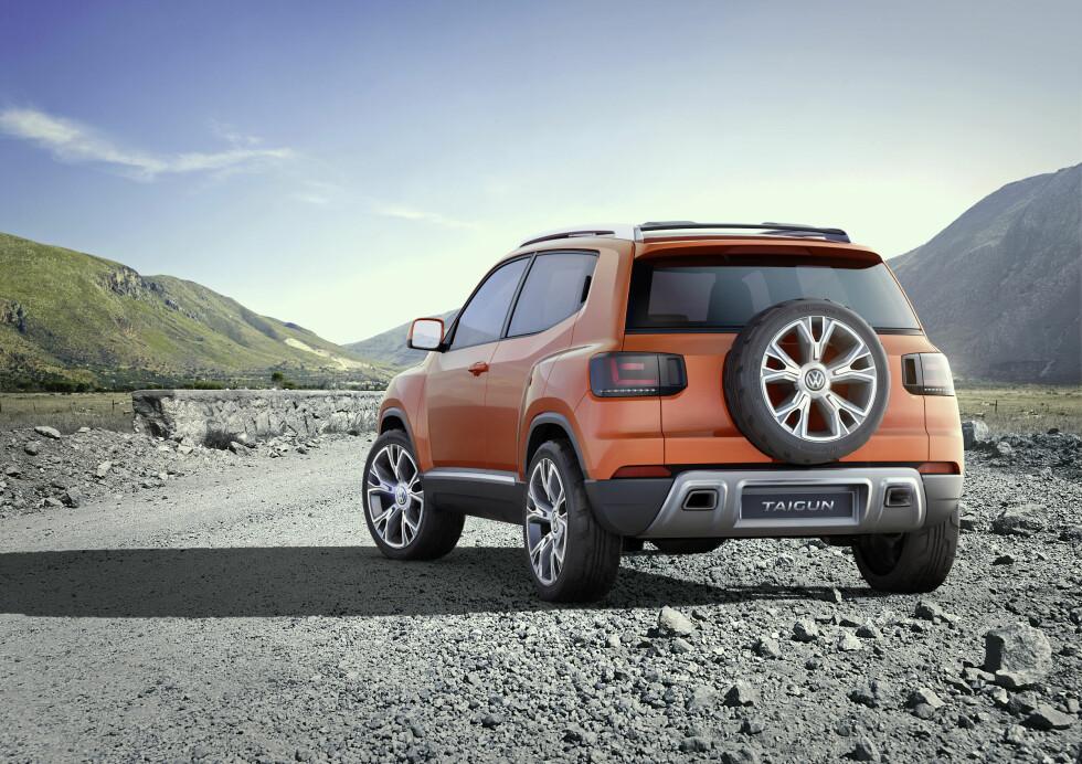 RØFFERE: I forhold til 2012-konseptet ble 2014-versjonen utstyrt med reservehjul på bakdøra og generelt et noe mindre sofistikert utseende. Foto: VOLKSWAGEN