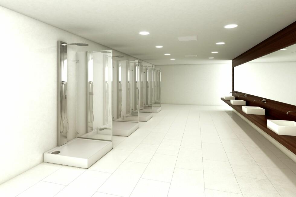 FELLESDUSJER: Dusjsystemet er allerede tatt i bruk ved mange offentlige bad, hoteller og sykehus i Sverige. Foto: ORBITAL SYSTEMS