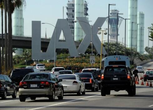 TAR OVER: Selv om Uber har fått konkurranse av Lyft og lignende tjenester, er de totalt dominerende i Los Angeles. Den tradisjonelle taxinæringen er nesten borte. Foto: KTLA/MIGHTY TRAVELS (CC)