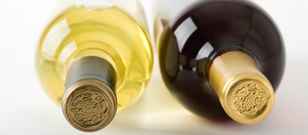<b>AVGIFTSØKNING:</b> De totale avgiftene på en vinflaske utgjør over 60 kroner, ifølge Vin- og brennevinleverandørenes forening (VBF)  Foto: COLOUBOX