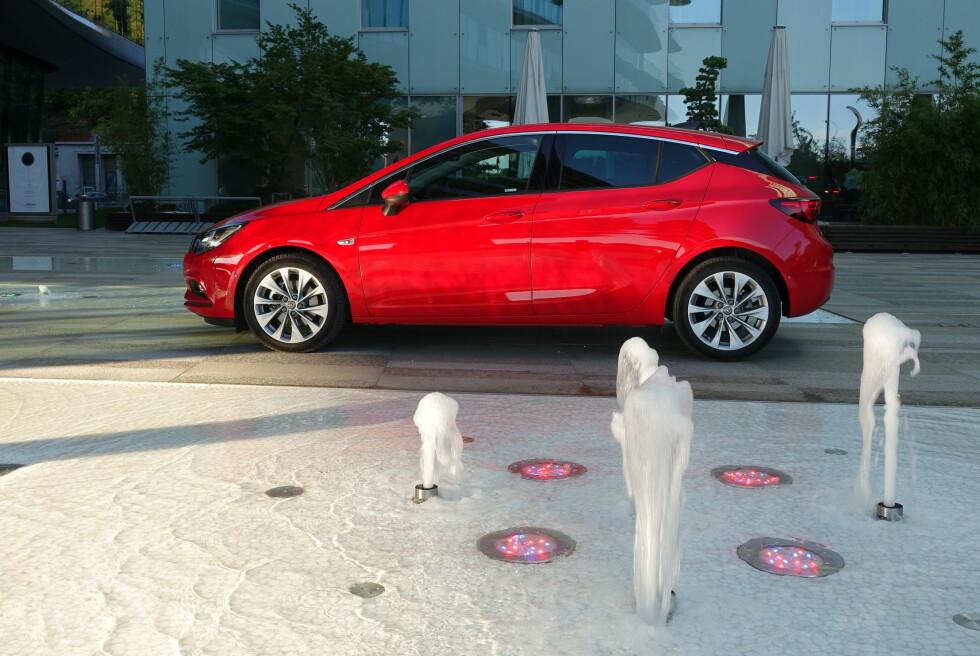 FULL SPRUT: Opel tar sikte på høyere markedsandeler med helt ny modell på plass. Stasjonsvognen kommer til våren.  Foto: KNUT ARNE MARCUSSEN