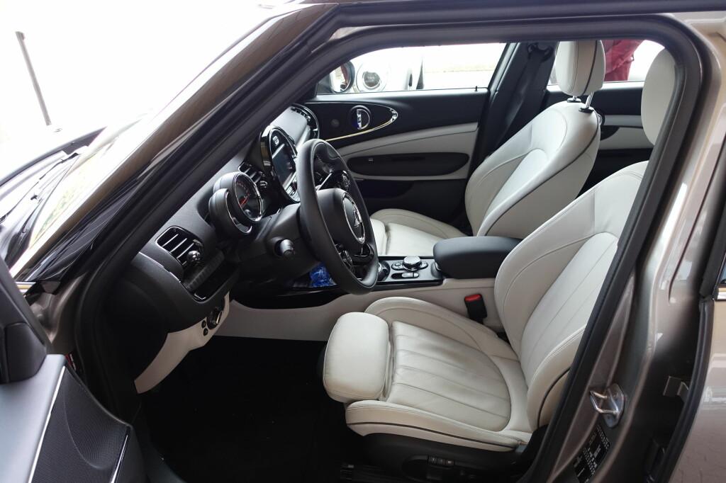 UTMERKET: Sitteposisjon og kjørestilling stilles inn på veldig bra vis for de fleste. BMW-inspirert, uten tvil. Foto: KNUT MOBERG