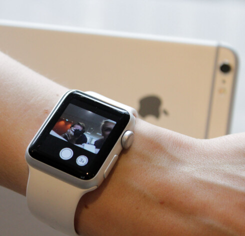 SE MOTIVET: Du kan bruke Apple Watch som søker for ditt iPhone-kamera. Foto: OLE PETTER BAUGERØD STOKKE