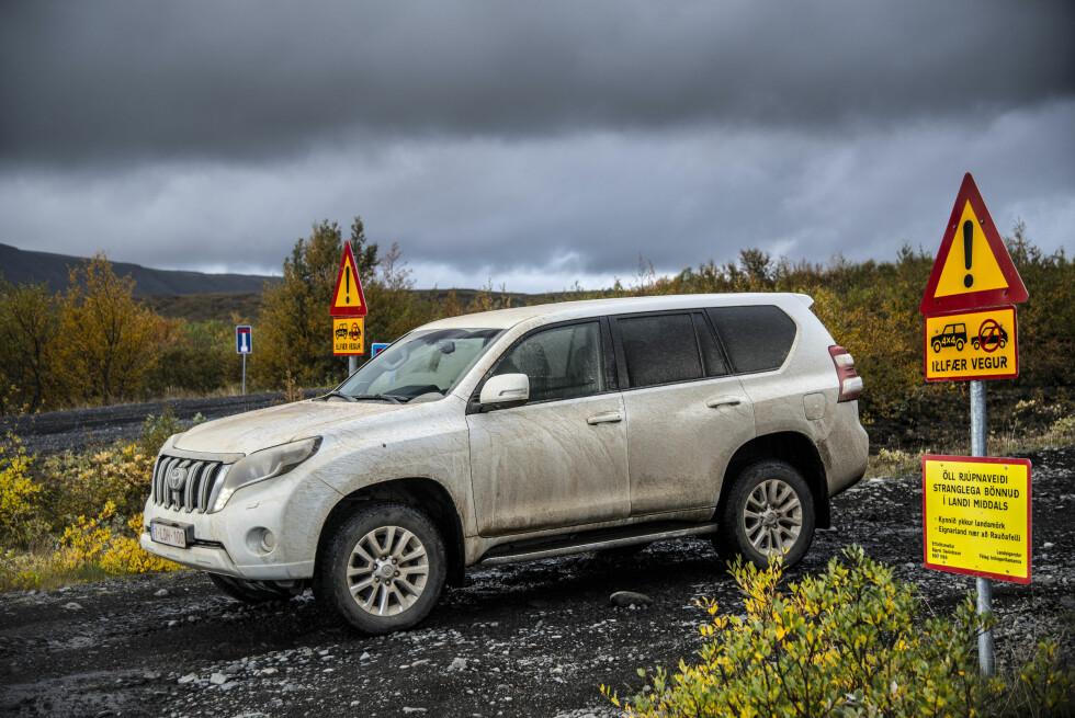 ADVARSEL: Hit må du gjerne kjøre, men kun med riktig redskap. Foto: Jamieson Pothecary