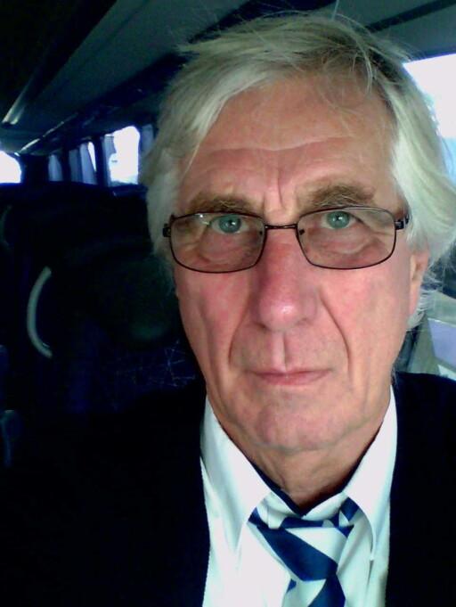 SETT MYE: Etter 45 år i bransjen har Tore Bentzen sett mye igjennom karrieren. Værst har det gått utover de uten belte.  Foto: PRIVAT