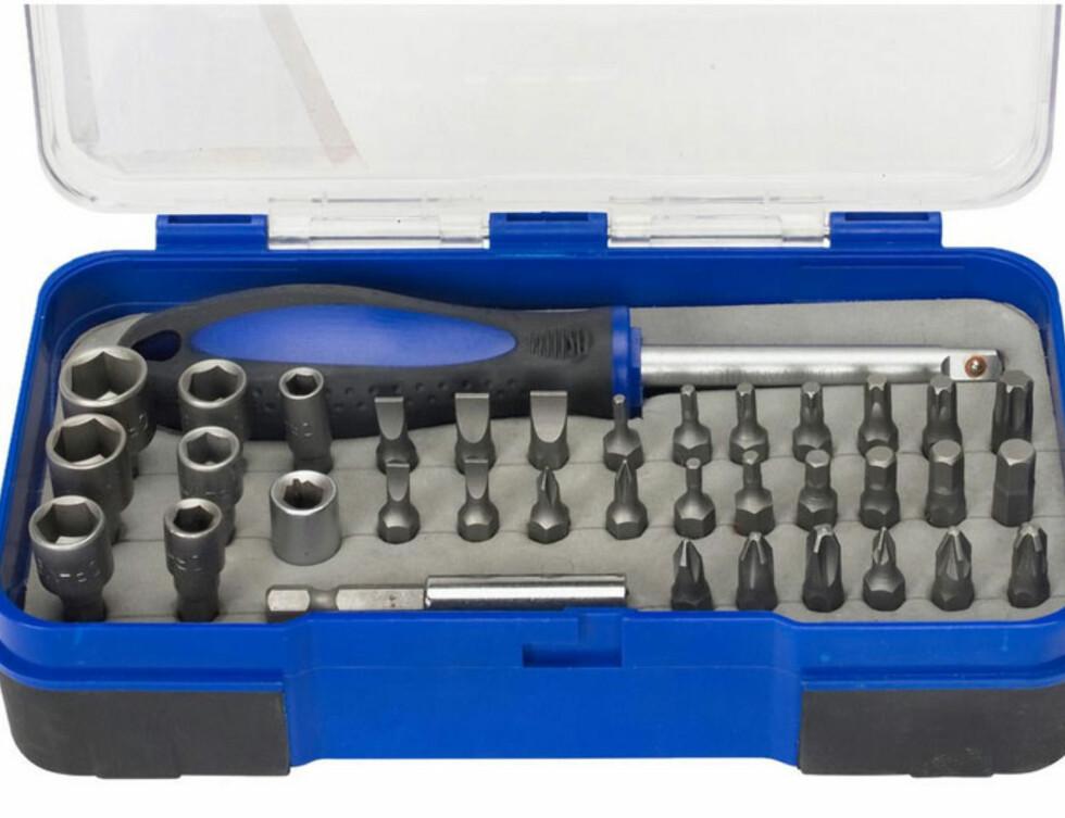 BITSSETT:  Inneholder håndtak og åtte piper pluss holder, forlenger, og 26 bits Foto: JULA