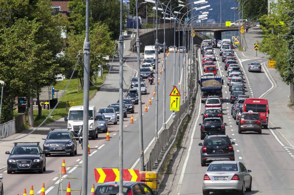 SKREMMENDE:  Slik kan det se ut igjennom hele døgnet i storbyene om ikke trafikkvanene endrer seg.  Foto: NTB SCANPIX