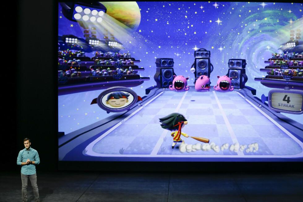 Spill blir en viktig funksjon i nye Apple TV, og den nye fjernkontrollen har innebygd gyroskop og aksellerometer for å registrere bevegelse. Foto: ERIC RISBERG/NTB-SCANPIX