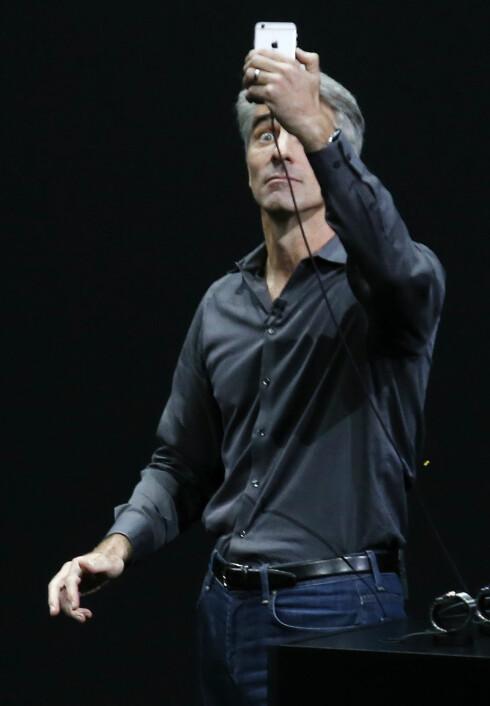 KAMERA-OPPGRADERING: De nye iPhone-ene har bedre kamera både bak og foran. Foto: Reuters