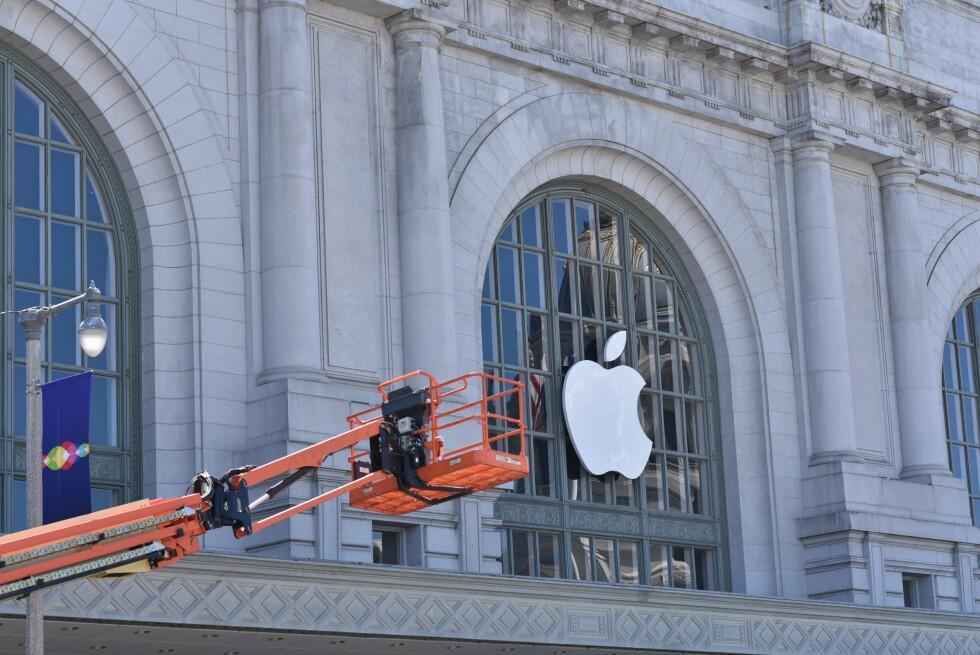 GJØR SEG KLARE: I kveld norsk tid presenterer Apple høstens nye iPhone-modeller. Foto: SCANPIX
