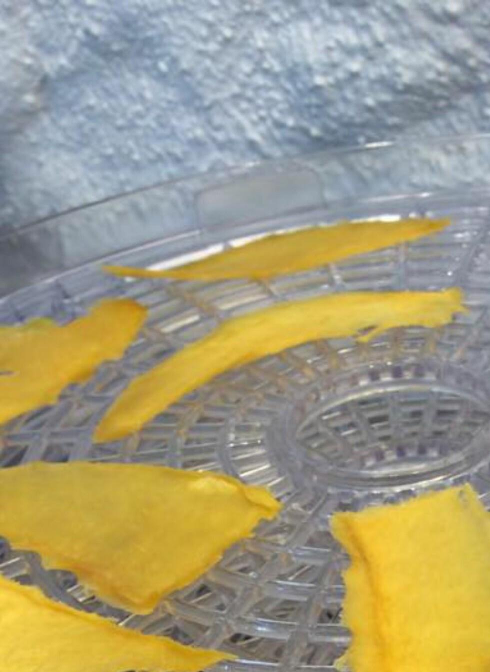FERDIG: Slik ser den ferdigtørkete mangoen ut. Foto: MERETHE HOMMELSGÅRD