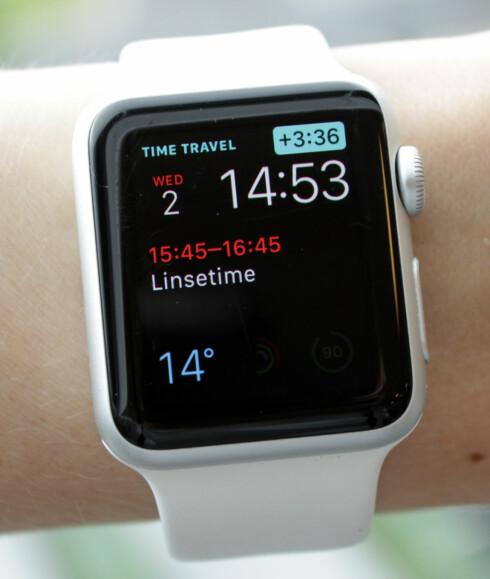 HVA SKJER ETTERPÅ? Med den nye Time Travel-funksjonen kan du enkelt sjekke kalenderen frem i tid.