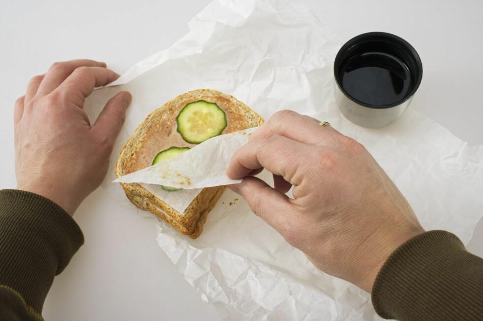 KLASSISK: Det er mange måter å gjøre matpakken mer spennende på. Hjemmebakt brød er en god start. Foto: SAMFOTO / NTB SCANPIX