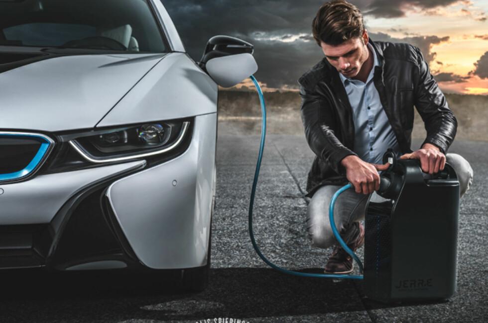FREMTIDENS LØSNING? Det nederlandske firmaet Star Engines har utviklet en generator som fyller elbilen med strøm.  Foto: Star Engines