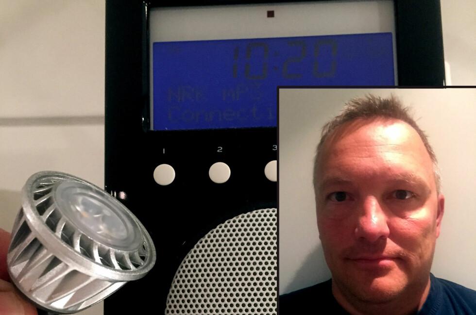 LED-LAMPENE KUTTER RADIOEN: Da Rune Seppola byttet til LED i baderomslampene sine, sluttet radioen å virke. Den virker kun når LED-lampene er slukket. Foto: RUNE SEPPOLA