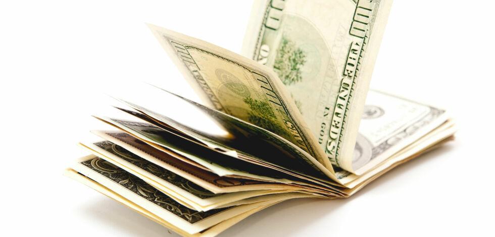 image: Dollar og pund kan bli billigere