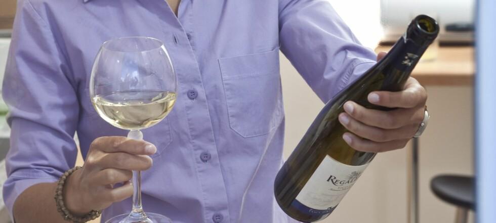 Så lang holdbarhet har vin i kjøleskapet