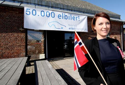 CHRISTINA BU i Norsk elbilforening har måttet svare på mange spørsmål angående ladestasjoner i sommer. Foto: NORGES ELBILFORENING