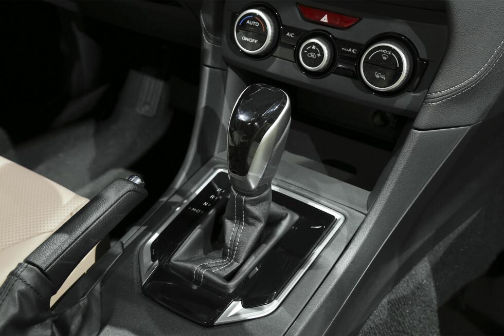 <strong><b>ULTRA-KLASSISK:</strong></b> Intet nytt under solen i senterkonsollen på nye Subaru Impreza.  Foto: SUBARU