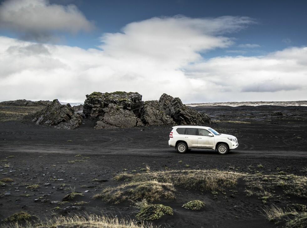 SURREALISTISK: Landskapet på Island endrer seg like ofte som været, omtrent hvert tiende minutt. Foto: Jamieson Pothecary