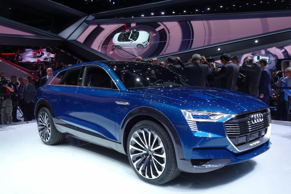 STOLT BAYER: Ingolstadt-produsenten Audi viser nå en kommende Tesla-konkurrent. Endelig er det en etablert premium-produsent som tar imot utfordringen fra California, og som viser at de mener alvor. Denne elbilen skal nemlig lanseres i produksjonsferdig stand om drøye to år. Foto: FRED MAGNE SKILLEBÆK