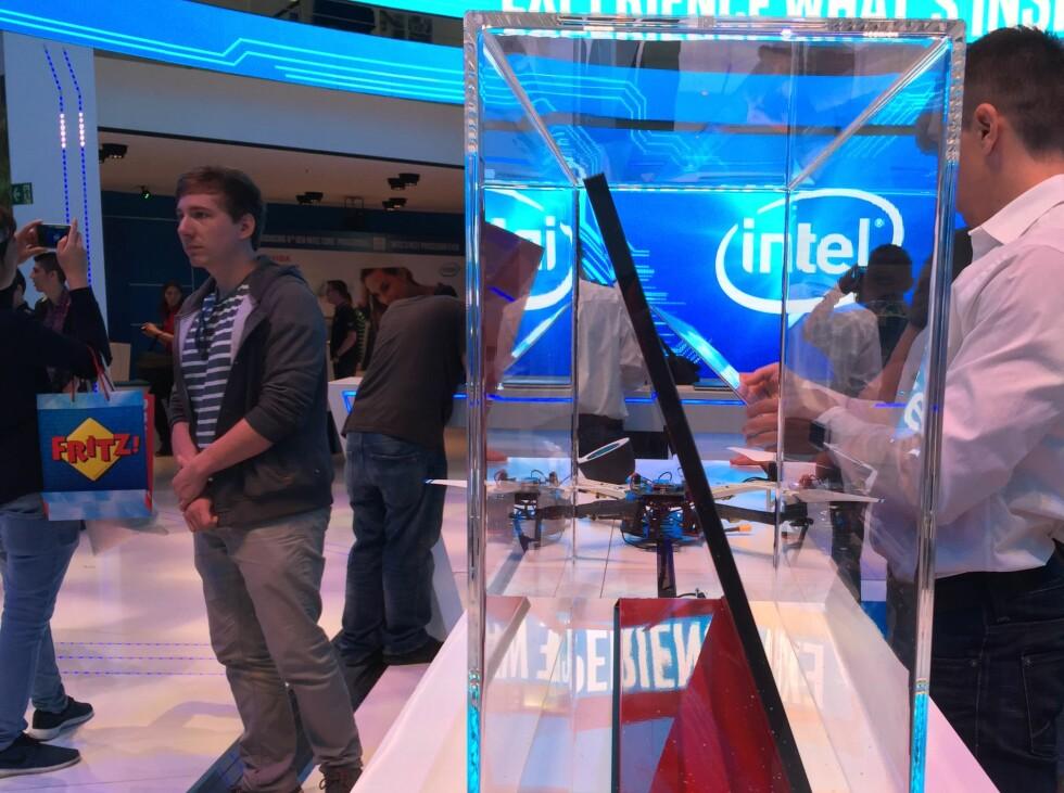 TYNN: PC-en er kun 1 cm tykk. Foto: BJØRN EIRIK LOFTÅS