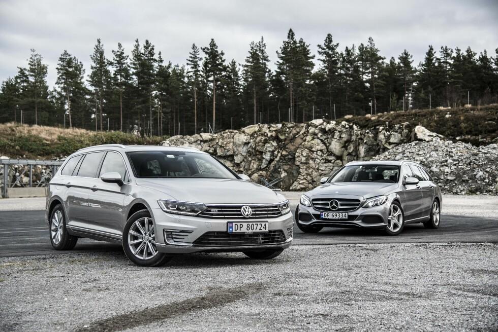 DE NYE FAVORITTENE: Både Volkswagen og Mercedes regner med å selge mye av sine ladbare hybrider. De frister med høy effekt, mye utstyr og lav pris. Foto: JAMIESON POTHECARY