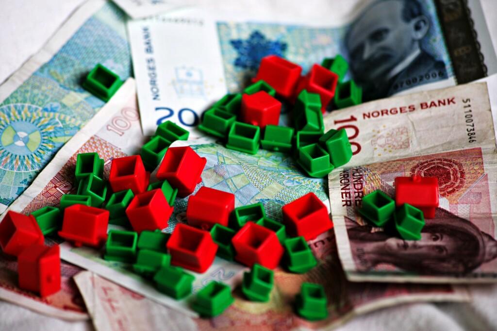 <b> VANSKELIG: </b> Å slå fast hva en bolig er verdt kan være en vanskelig prosess. Prøv våre boligpriskalkulator for å få en pekepinn på hvor prisen burde ligge. Foto: NTB scanpix