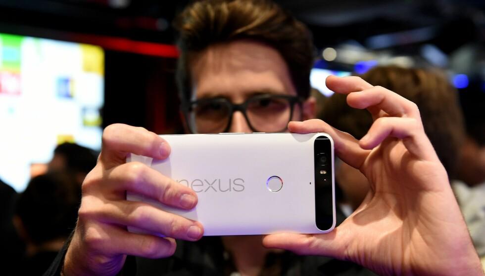 SELVSKREVNE: Googles egne Nexus-telefoner er alltid de første som får ny Android-versjon. Foto: Andrew Matthews/PA Photos/NTB Scanpix