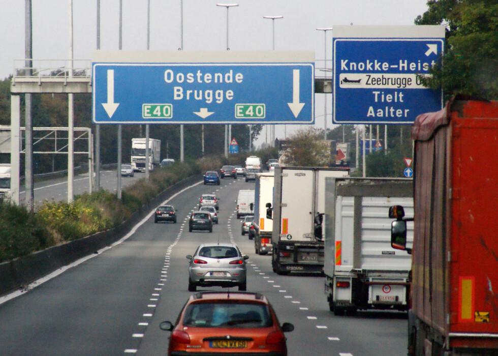 TO SPRÅK: Det er ikke sikkert du kommer til å skjønne all skiltingen i Belgia.  Foto: ALL OVER PRESS