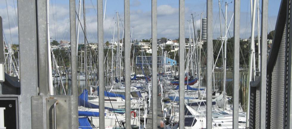 GODT TJENT: Forsikringsselskapene gir rabatt dersom du har båten liggende i en havn med organisert vakthold. Foto: Frende/iStock
