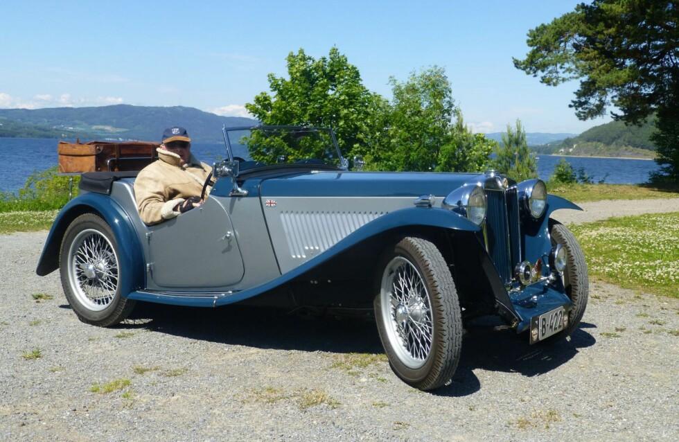 URETTFERDIG: Både LMK og Norges kulturvernforbund mener at veterankjøretøy, som bilen som her er avbildet, bør defineres som kulturminner. Foto: BJØRN GUDEM