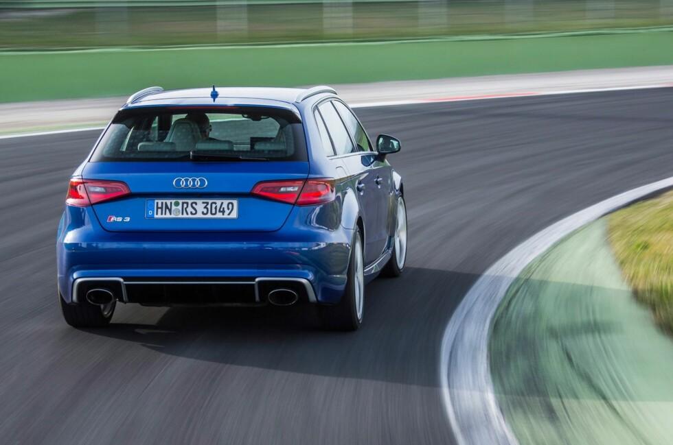 <strong><B>MINSTEMANN I REKKEN:</strong> </B>Med RS3 Sportback har quattro GmbH, datterselskapet som utvikler og bygger de sporty spydspissene i AUDI AG, nå sju RS-modeller på markedet: RS Q3, RS4 Avant, RS5 Coupé , RS5 Cabriolet, RS6 Avant og RS7 Sportback.  Foto: AUDI
