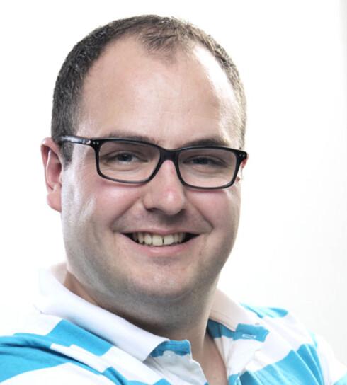 IRRITERT:  Bjørn Ivar Holter-Nilsen har nå sagt opp sitt abonnement hos selskapet som selger barberblader. Foto: PRIVAT