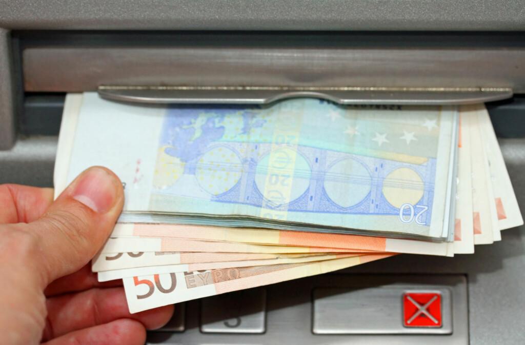 <b>SLIK FORSIKRER DU REISEKASSA:</b> Med flere forsikringerm, kan du reise med større pengesummer i kontanter og fremdeles være forsikret. Foto: NTB SCANPIX