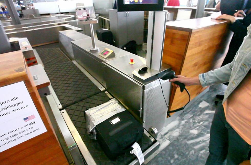 IKKE SEND DETTE: Det er ikke alt du bør sende som innsjekket bagasje. Noe er ulovlig, og andre ting får du ikke erstattet dersom det skulle bli borte. Foto: PER ERVLAND