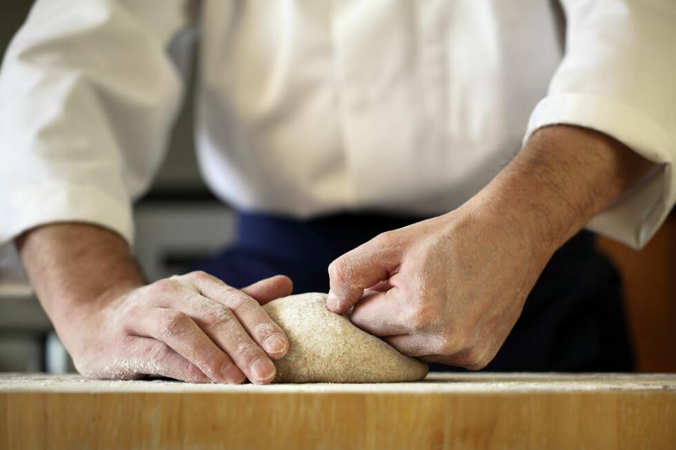 SUKSESS: Kjøpe bakevarer med mobilen. Foto: FOTOLIA / NTB SCANPIX