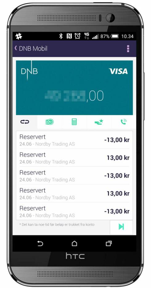 KJEKT: Appen lar deg se alle transaksjoner på kortet du har koblet opp. Her ser du hvordan automaten tok og ga tilbake 13 kroner fem ganger. Foto: OLE PETTER BAUGERØD STOKKE