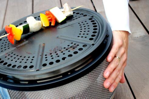 <strong><b>KALD:</strong></b> Den blir ikke varm på utsiden, selv ikke under full grilling. Foto: OLE PETTER BAUGERØD STOKKE