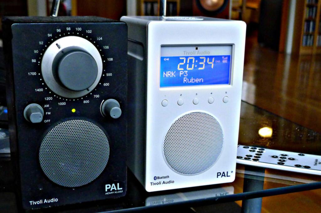 HELT SLUTT: Tivoli-radioen til venstre kan ikke lenger brukes i Norge om to år. Men den vil fortsatt virke i resten av verden. Foto: TORE NESET