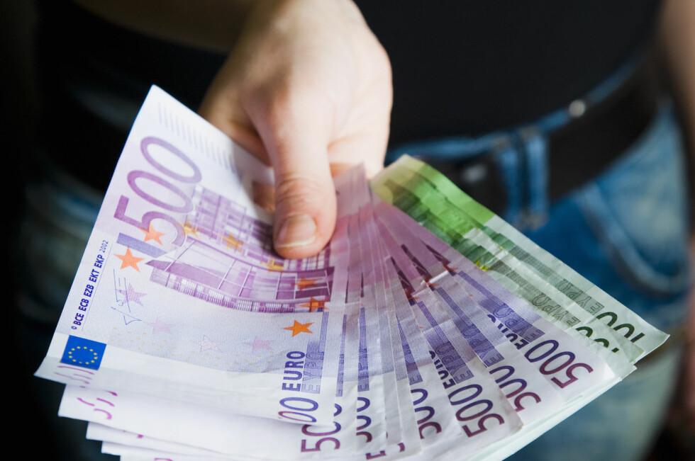 TA MED? Nei, du bør ikke ta med større mengder kontanter til Hellas. Foto: BERIT B. NJARGA